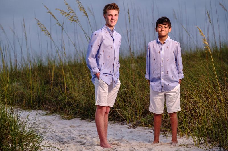 Family photographer at the Island House Hotel Orange Beach